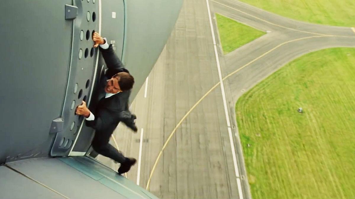 Tom Cruise rodando una escena de riesgo sin doble en Misión Imposible