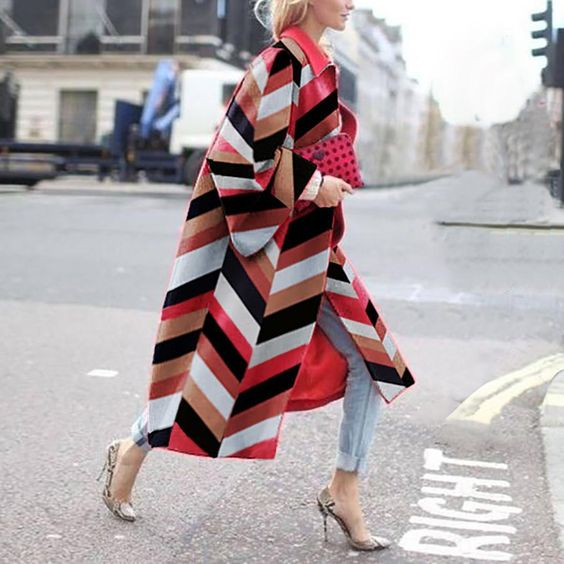 PATTERN PRINTED STATEMENT COAT
