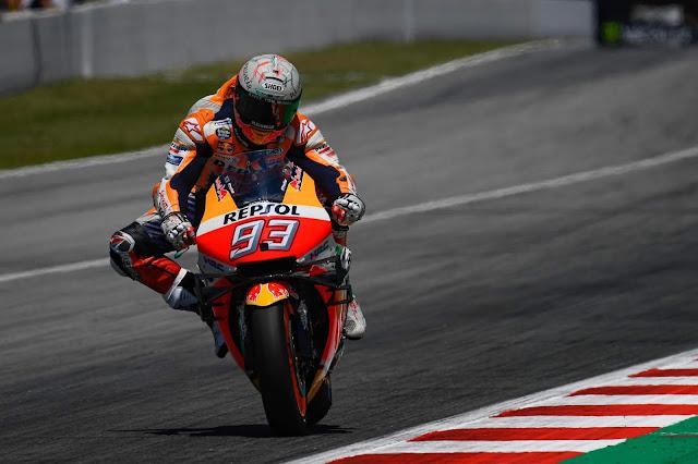Marc Marquez vence fácil em Barcelona depois que Lorenzo derrubou a concorrência