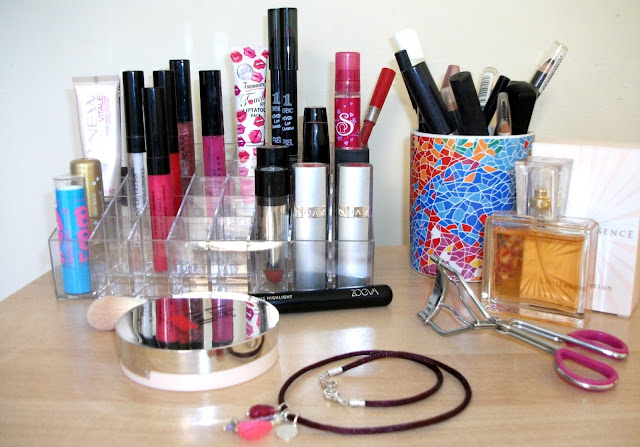 Where to find the perfect lipstick display/make-up organizer online