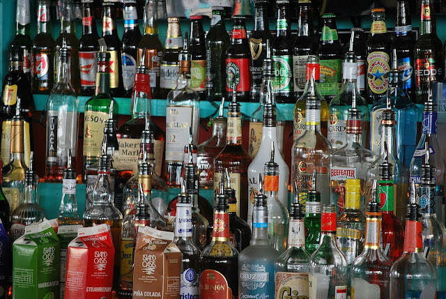 When will the liquor shops opened in (U.P.) Covid lockdown