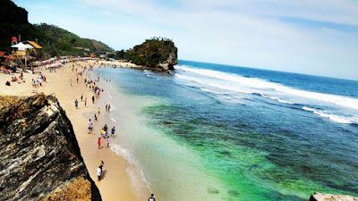 Jernihnya Air Laut Pantai Indrayanti