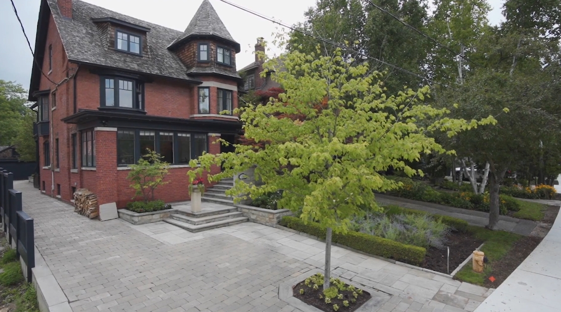 Tour 158 Glen Rd, Toronto Home vs. 30 Interior Design Photos