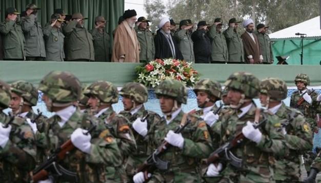 مصدر في القوات المسلّحة الإيرانية: طهران لاتحتاج الإذن للدفاع عن نفسها