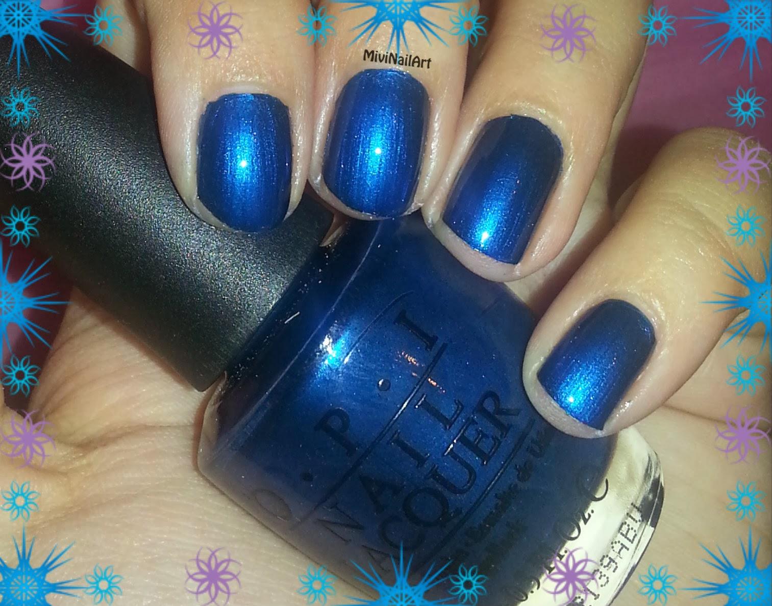 Manicura Azul con flor