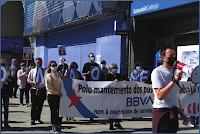 Manifestación dende a oficina do Cantón cara a oficina da Rúa Real na Coruña. Imaxe: CIGBBVA (cc) BY-NC-SA