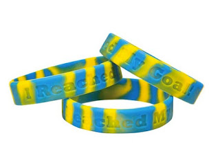 http://www.reallygoodstuff.com/i-reached-my-goal-silicone-bracelets-set/p/162409/tab/k8/