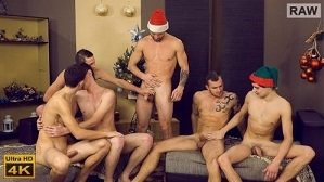 Xmas Wank Party 2015, RAW BACKSTAGE