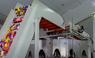 Zähl- und- Verpackungungsmaschine für Luftballons.