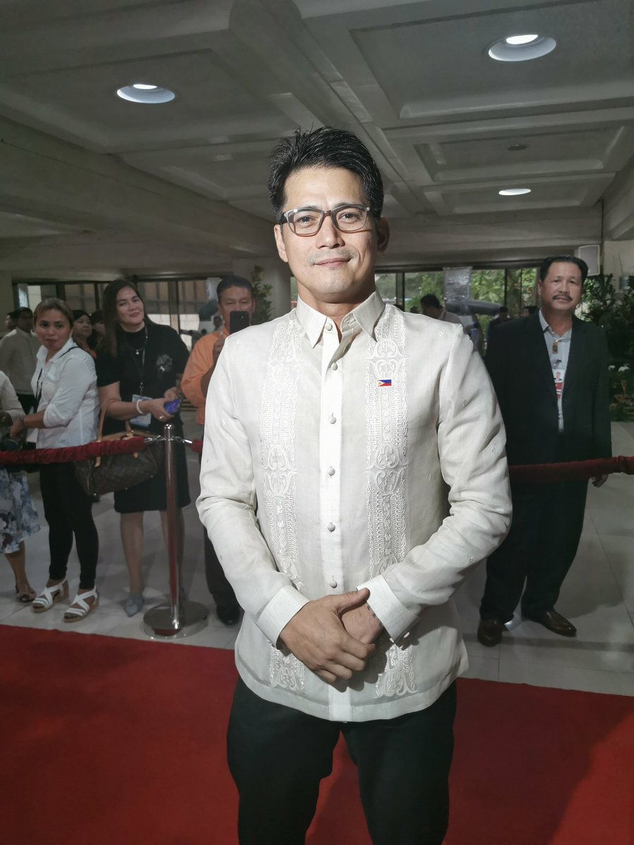 Actor Robin Padilla is one of the early birds at SONA 2019 red carpet