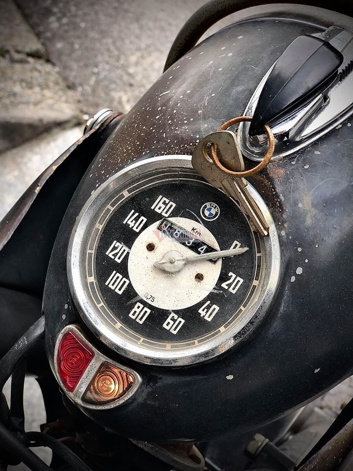 Xe máy cổ BMW R25 66 năm tuổi giá gần 700 triệu ở Hà Nội