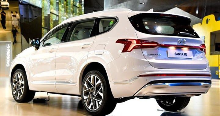 Hyundai SantaFe 2021 công bố giá từ 605 triệu đồng