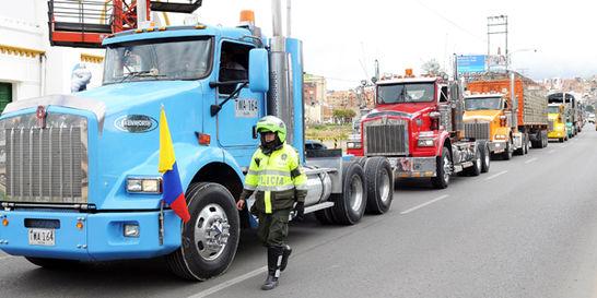Gobierno y camioneros no logran levantar el paro