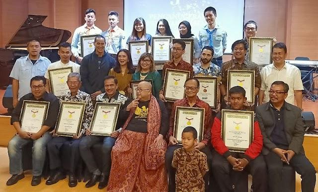 Cepat Dan Banyak Sebarkan Opini, SMSI Raih Penghargaan MURI