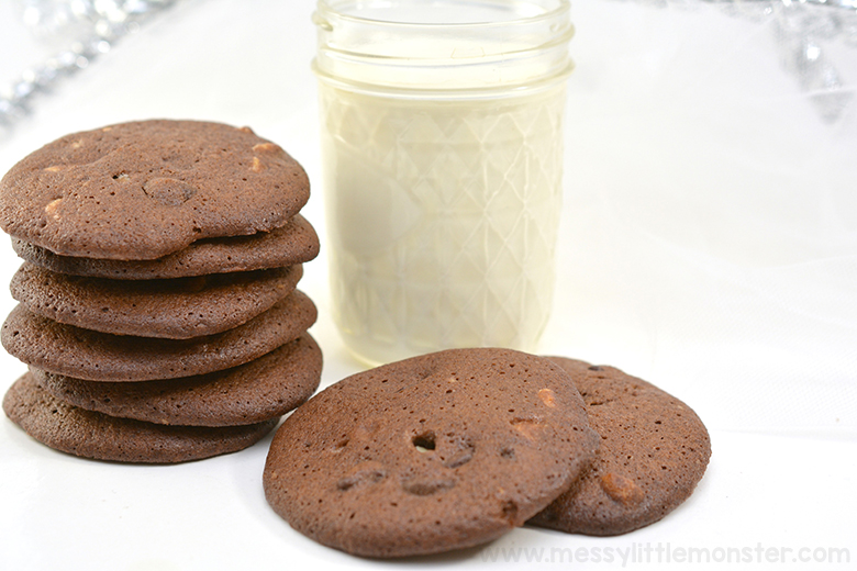 Christmas cookie jar. Chocolate cookies recipe