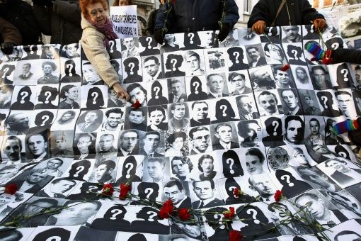 Critican veto de Rajoy a reforma de Ley de Memoria Histórica