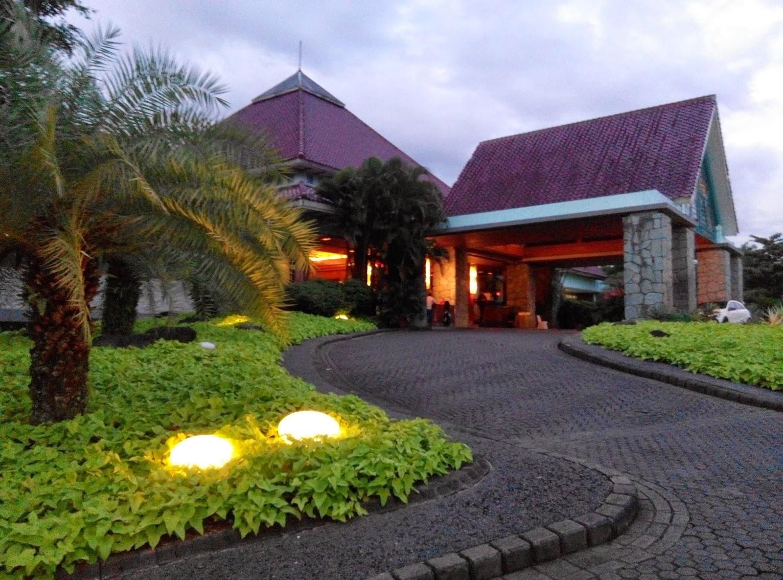 kolam renang damai indah golf renang privat