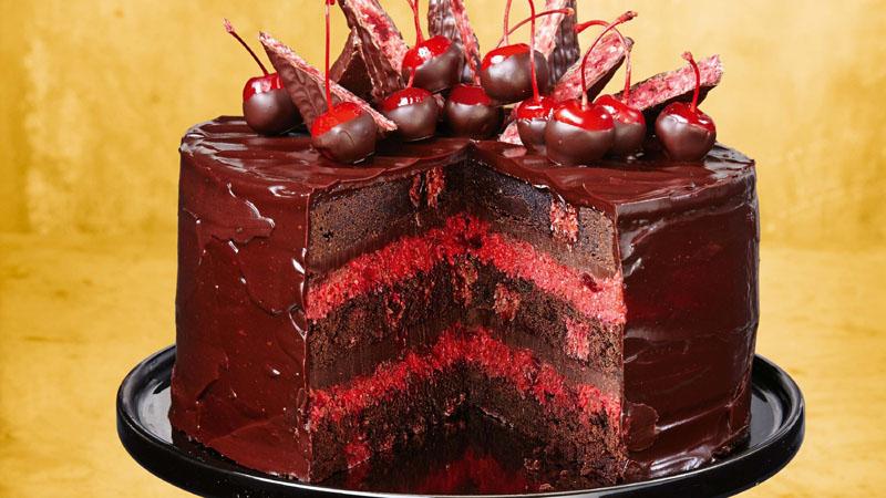 Cherry Ripe Brownie Cake