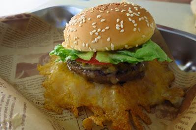 Skirt & Dirt, burger