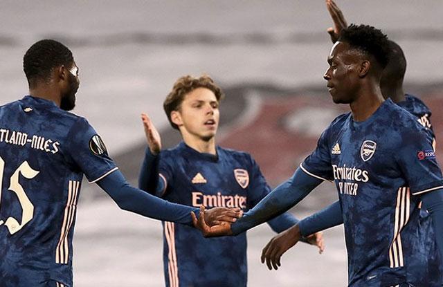 Hasil Liga Europa Dundalk vs Arsenal Skor 2-4, The Gunners Tak Terkalahkan