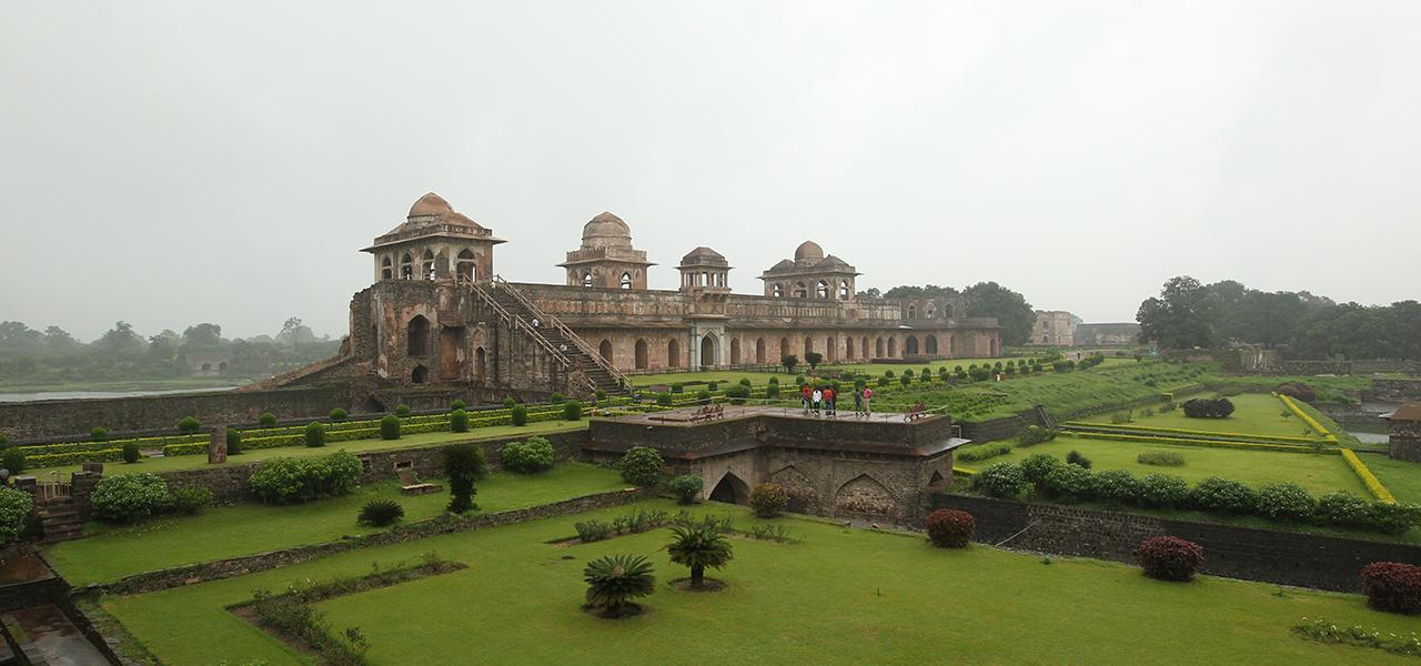 Eternal Expression Love – Mandu Fort