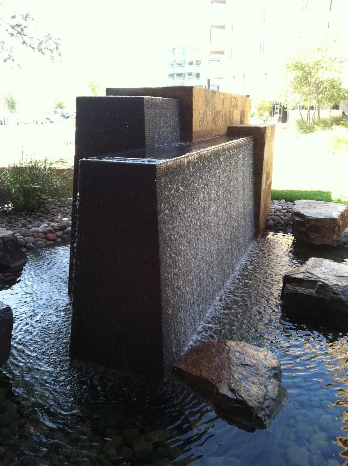 Kate Presents: Modern fountain