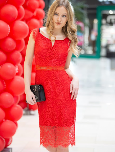 Lace Midi Dress Mildred Red