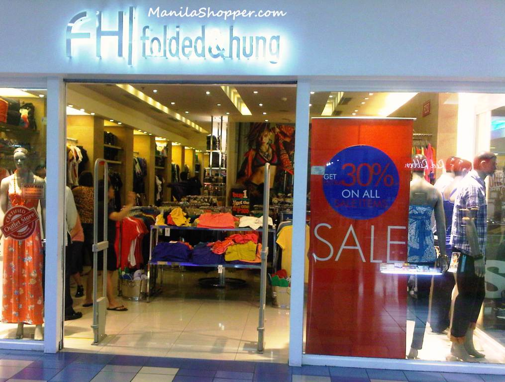 37972a7c37c682 Get 30% off on all items at this Folded   Hung Outlet Store.