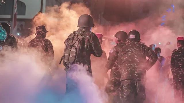 aprende ingles ejercito fuego enemigo bomba de humo