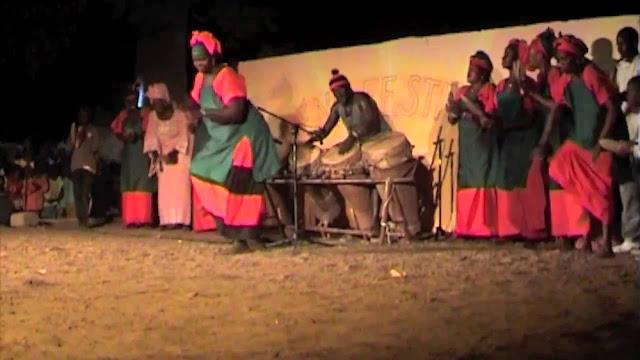 Danse, musique, artiste, chanteur, danseuse, divertissement, loisirs, LEUKSENEGAL, Dakar, Sénégal, Afrique