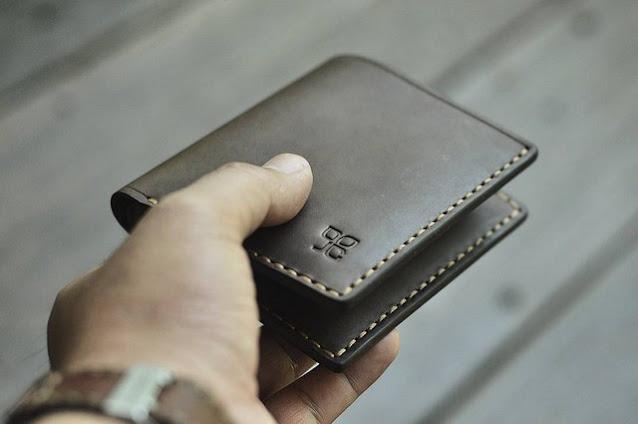 Dompet Kulit Pria dan Tips Menjaga Dompet Kesayangan