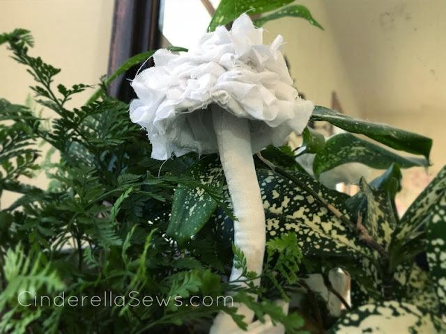 Frilly white mushroom fabric sculpture for fairy tale loves and fungus foragers! #fabricmushroom #mushroom #enchantedforest #woodlandmagic #aliceinwonderland #fairytale #fabrictoadstool