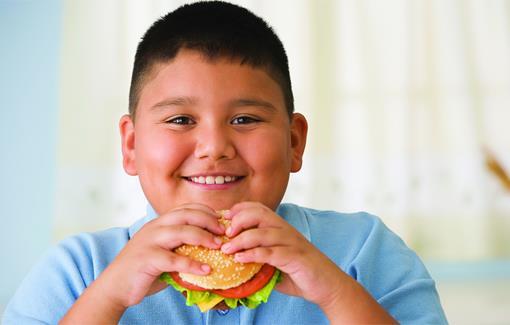 Cara Menyenangkan Bantu Anak Turunkan Berat Badan
