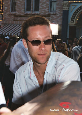 Michael Rosenbaum signing autographs at the Pirates of the Caribbean premiere