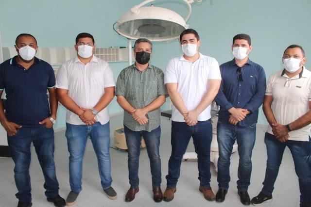 Diretor do Hospital Infantil de Teresina visita Elesbão Veloso e é recepcionado pelo vice-prefeito Arthur Paes Landim.
