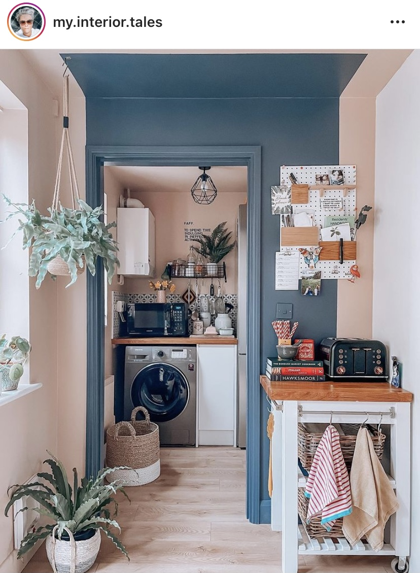 Colour blocking inspiration for your interior decor. How to add colour blocking to your home, and inspiration for different schemes