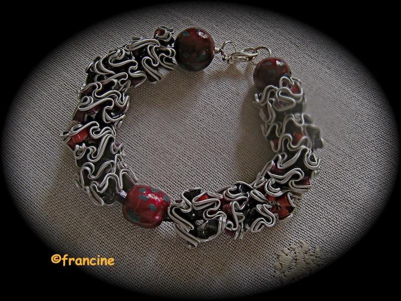 """Favori FRANCINE BRICOLE : Bracelet à fleurettes multicolores : """"Capsules  PX57"""