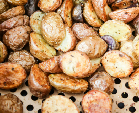 Air Fryer Roasted Potatoes #potatoes #roasted #vegetarian #food #dinner