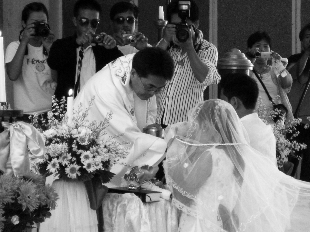 At least 6 photographers managed to get a good view of this nuptial, but I think mine is better. JK. (Photo by Bernard Eirrol Tugade)