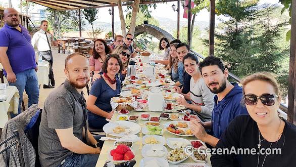 Şirince'de kahvaltı ederken, Dimitros restaurant