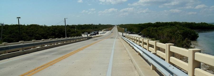 Puente sobre el Big Carlos Pass