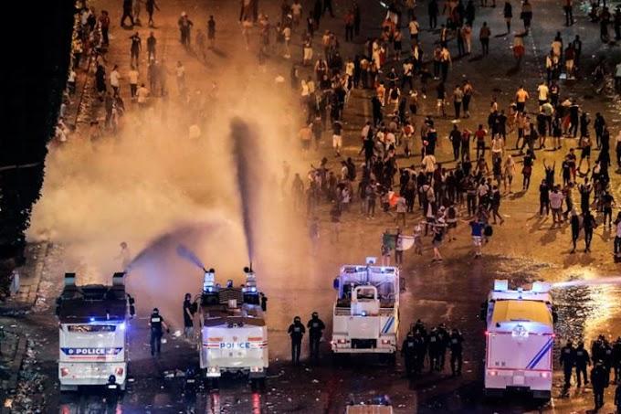 Lojas são saqueadas em Paris durante festejos pelo título da França na Copa