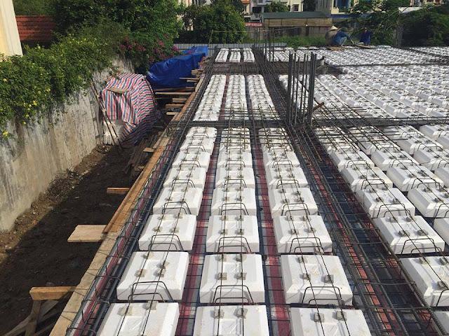 Lắp ráp coffa xốp tại công trình