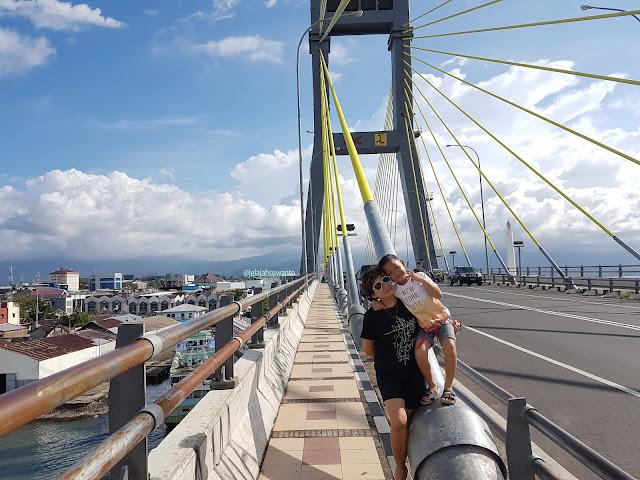 Jembatan Soekarno Manado setelah mangkrak 12 tahun diresmikan pada 28 Mei 2015 || JelajahSuwanto