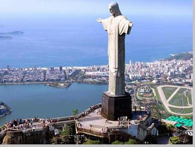 Christ the Redeemer, tinggi patung 39,6 meter, Brasil - pustakapengetahuan .com