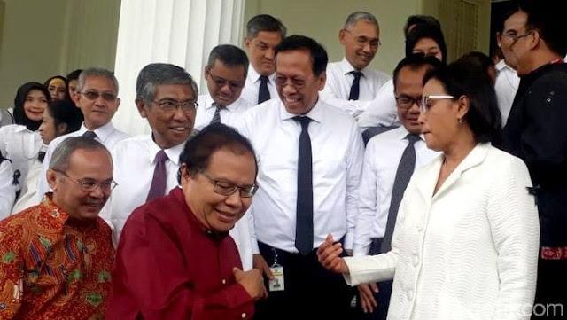 """RR: Menkeu """"Ratu Utang"""" Dipuja-puja Kreditor karena Berikan Bunga Tertinggi di ASEAN"""