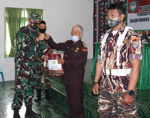 Dandim 0106/Ateng Melaksanakan Silaturahmi Dengan Keluarga Besar TNI (KBT)