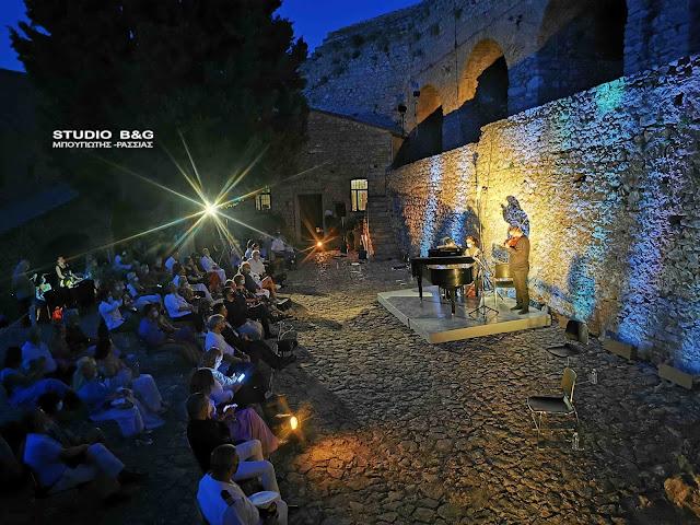Το 30ο Φεστιβάλ Ναυπλίου ξεκίνησε στο Παλαμήδι με μια βραδιά εμπνευσμένη από την Επανάσταση
