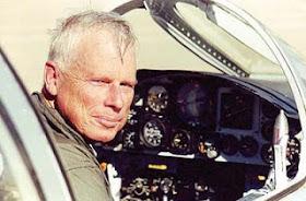L'ex pilota della CIA John Lear