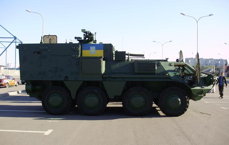 Командно-штабна машина БТР-4КШ